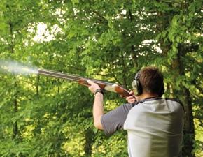 Jagdschüler beim Flintenschiessen